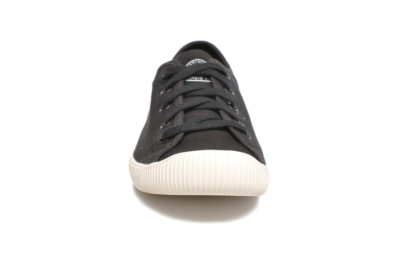 Sneakers Palladium Us Flex Lace F Nero modello indossato