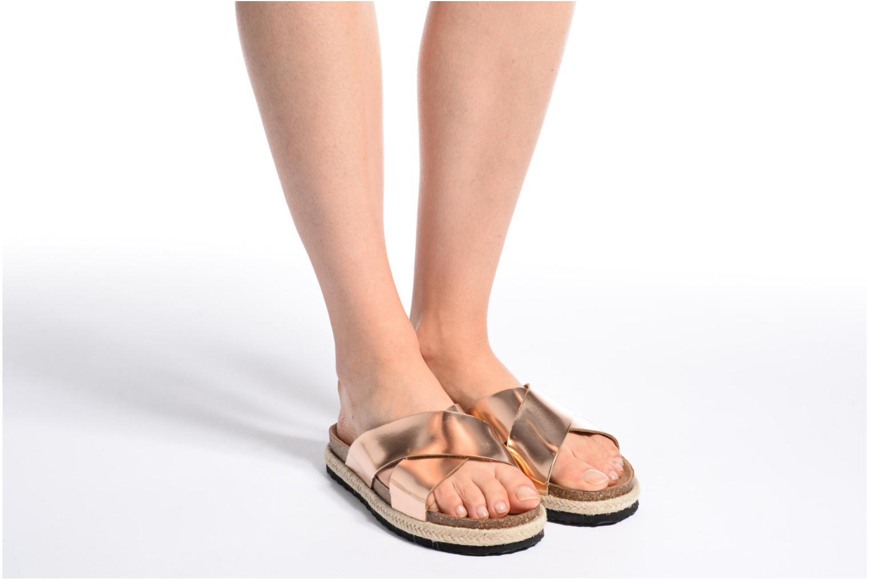 Clogs & Pantoletten I Love Shoes KANE gold/bronze ansicht von unten / tasche getragen