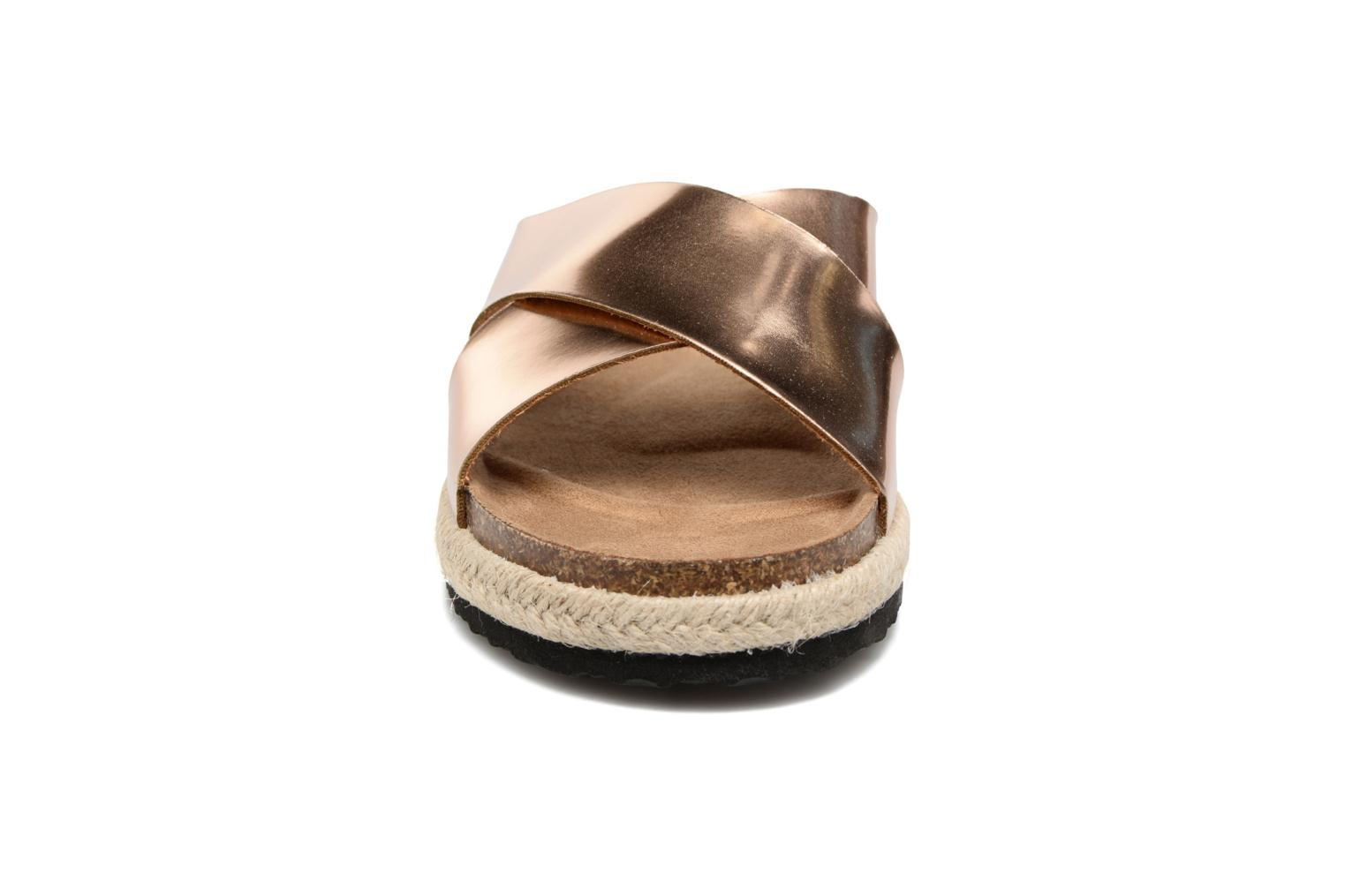 Clogs & Pantoletten I Love Shoes KANE gold/bronze schuhe getragen