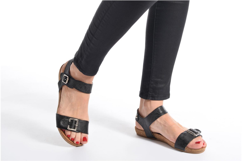 Sandales et nu-pieds Refresh Belk Noir vue bas / vue portée sac