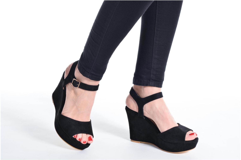 Sandales et nu-pieds Refresh Mack Noir vue bas / vue portée sac