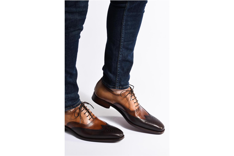 Chaussures à lacets Marvin&Co Luxe Walton-on Marron vue bas / vue portée sac