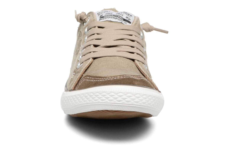 Baskets Dockers Armand Beige vue portées chaussures