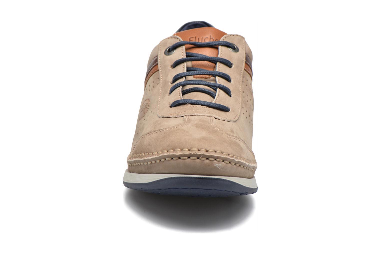 Baskets Fluchos James 9122 Beige vue portées chaussures