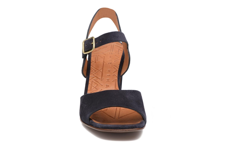 Sandales et nu-pieds Chie Mihara Chuli Bleu vue portées chaussures