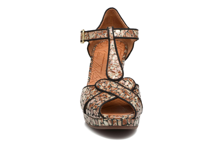 Sandales et nu-pieds Chie Mihara Giki Marron vue portées chaussures