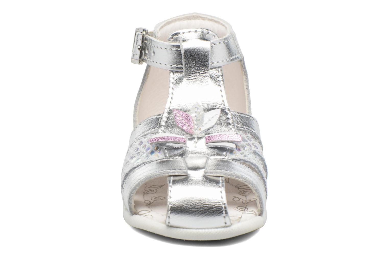Sandali e scarpe aperte Bopy Zetadi Argento modello indossato
