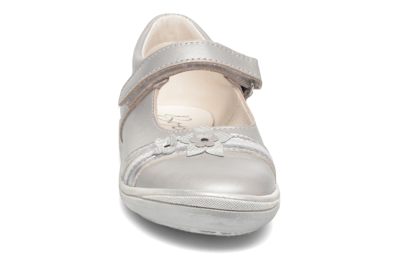 Ballerines Bopy Saghera Gris vue portées chaussures