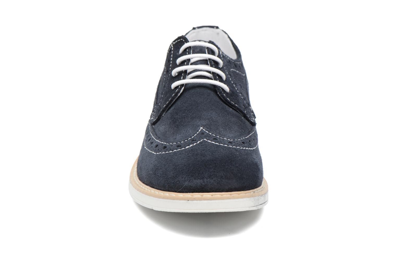 Zapatos con cordones Melania Marcello Azul vista del modelo