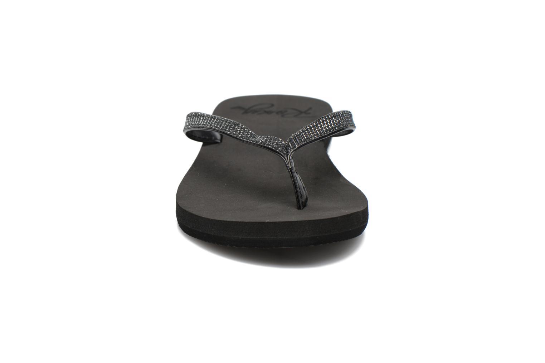Tongs Roxy Napili Noir vue portées chaussures