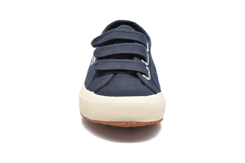 Baskets Superga 2751 Cot 3 Velu Bleu vue portées chaussures