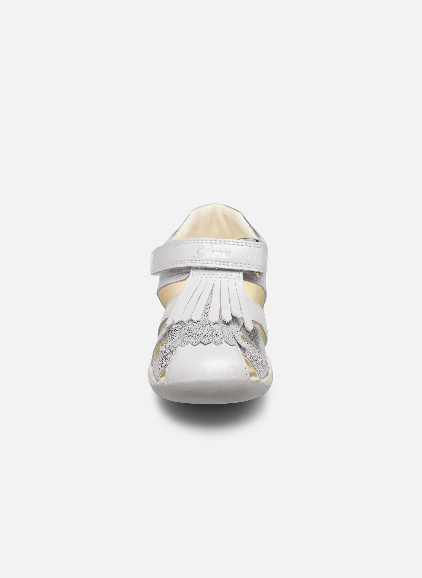 Sandales et nu-pieds Geox B Each G. E B720AE Blanc vue portées chaussures