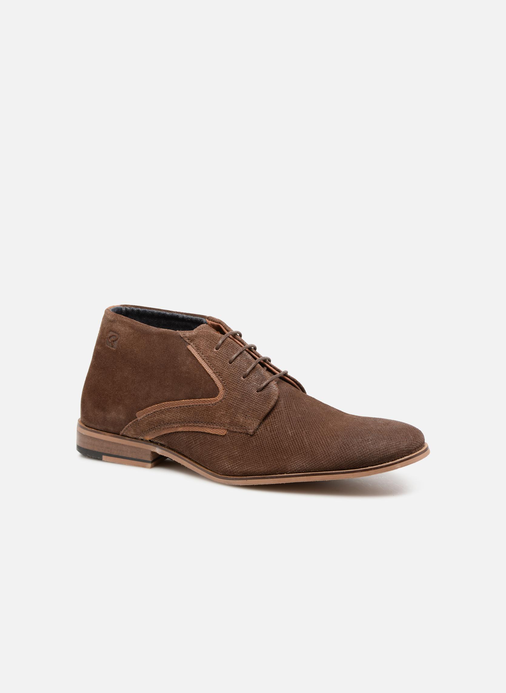 Snörade skor Herr Nadeol