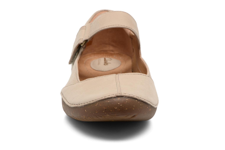 Ballerinaer Clarks Autumn Stone Beige se skoene på