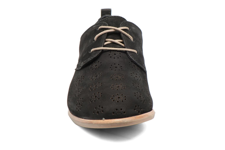 Chaussures à lacets Clarks Alania Posey Noir vue portées chaussures