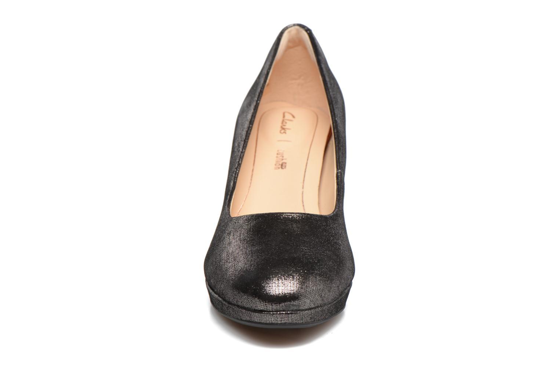 Escarpins Clarks Kelda Hope Argent vue portées chaussures