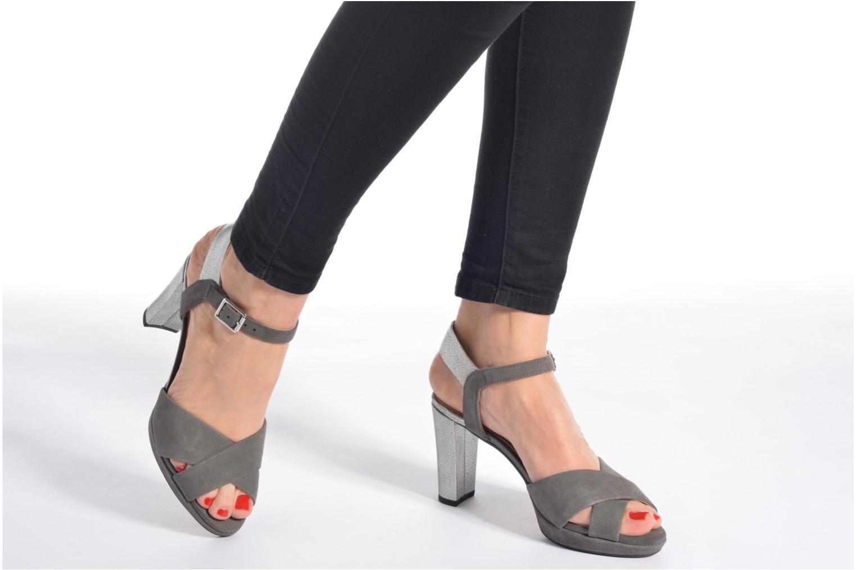 Sandales et nu-pieds Clarks Kendra Petal Noir vue bas / vue portée sac