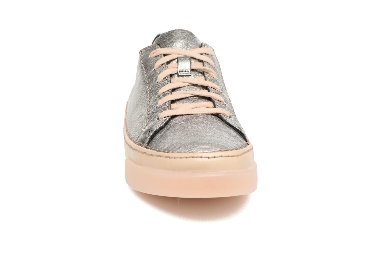 Baskets Clarks Hidi Holly Argent vue portées chaussures