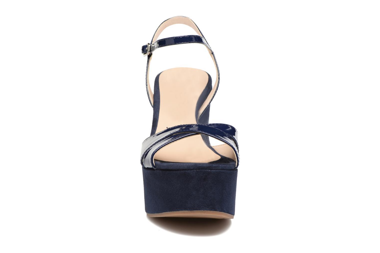 Sandales et nu-pieds Unisa Usain Bleu vue portées chaussures