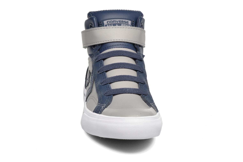Baskets Converse Pro Blaze Strap Stretch Gris vue portées chaussures