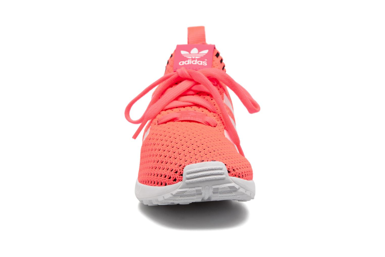 Baskets Adidas Originals Zx Flux Pk J Rose vue portées chaussures