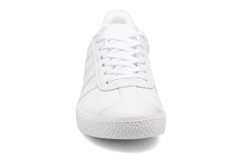 Sneaker Adidas Originals Gazelle C weiß schuhe getragen