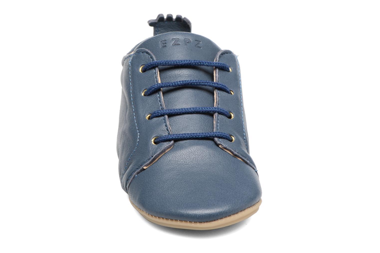 Chaussons Easy Peasy Igo Bleu vue portées chaussures