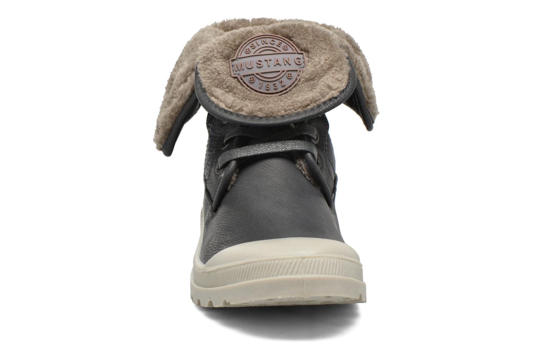 Bottines et boots Mustang shoes Amalia Gris vue portées chaussures