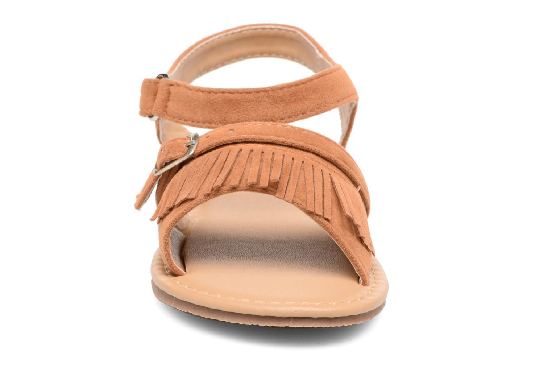 Sandales et nu-pieds NA! Rubis Marron vue portées chaussures