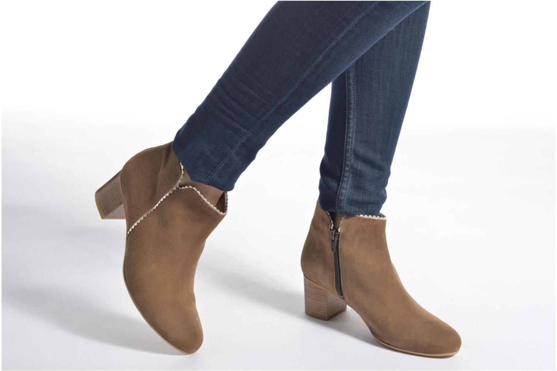 Bottines et boots Georgia Rose Celijo Beige vue bas / vue portée sac