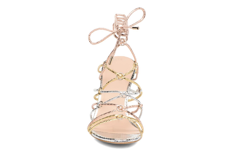 Sandales et nu-pieds Guess Aeyla Or et bronze vue portées chaussures