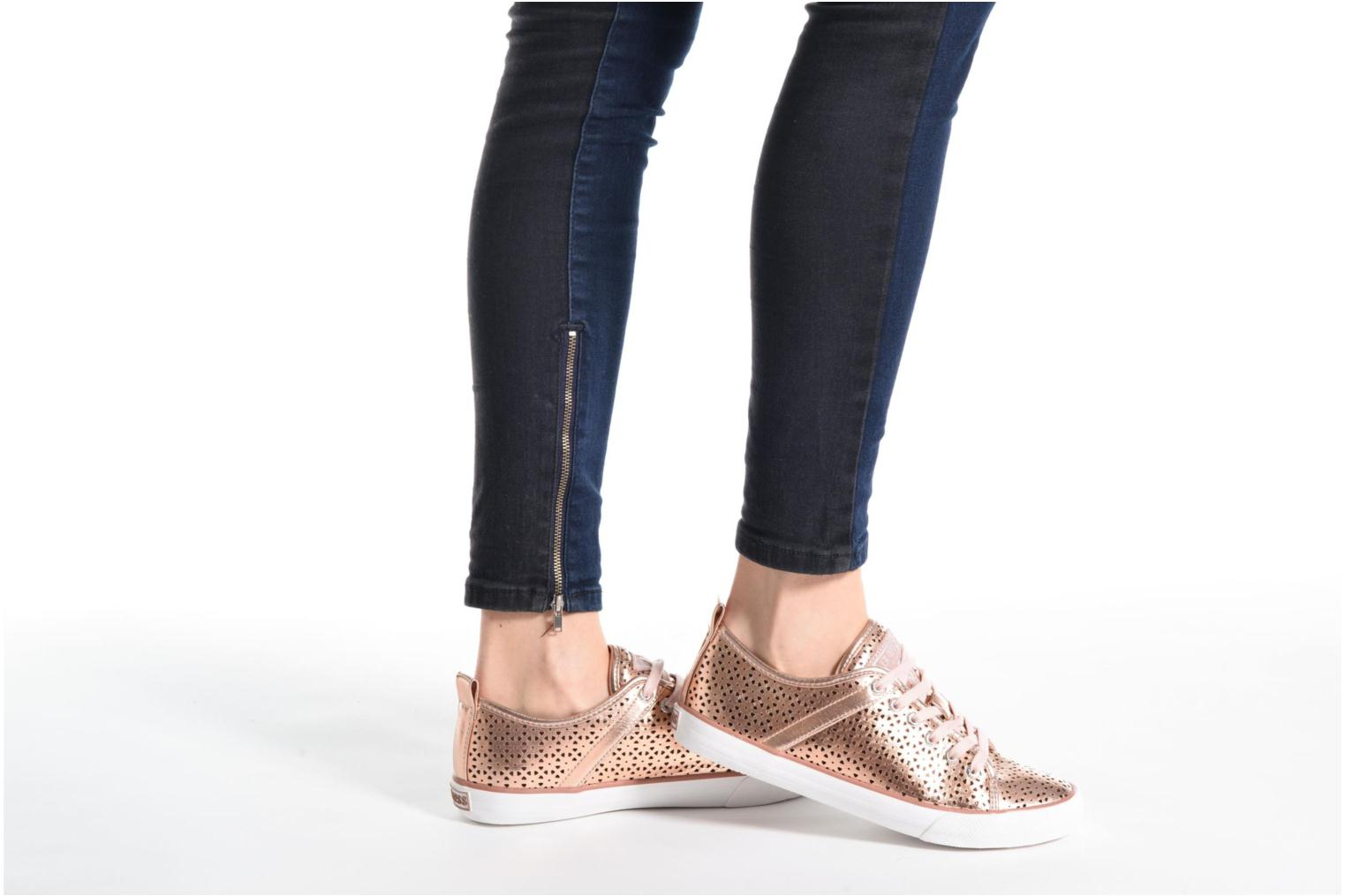 Sneakers Guess Jolie Argento immagine dal basso