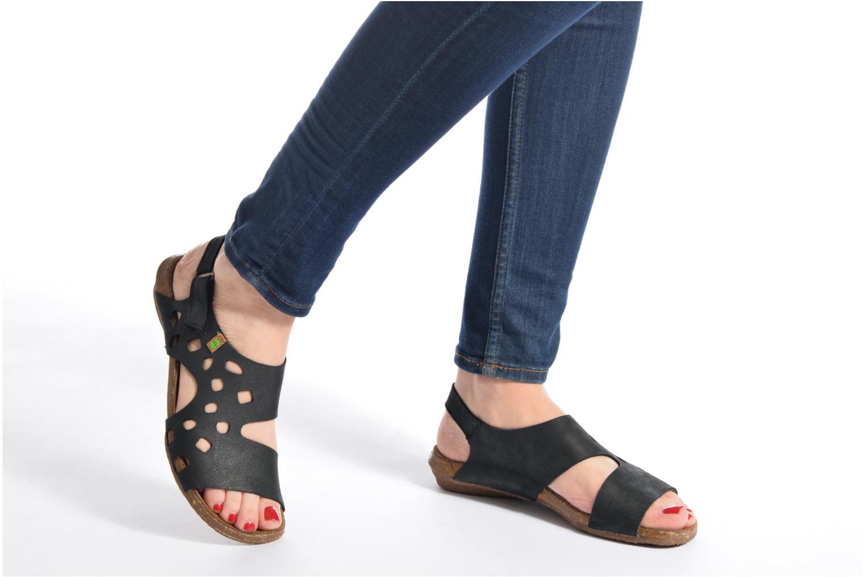 Sandales et nu-pieds El Naturalista Wakataua N5061 Noir vue bas / vue portée sac