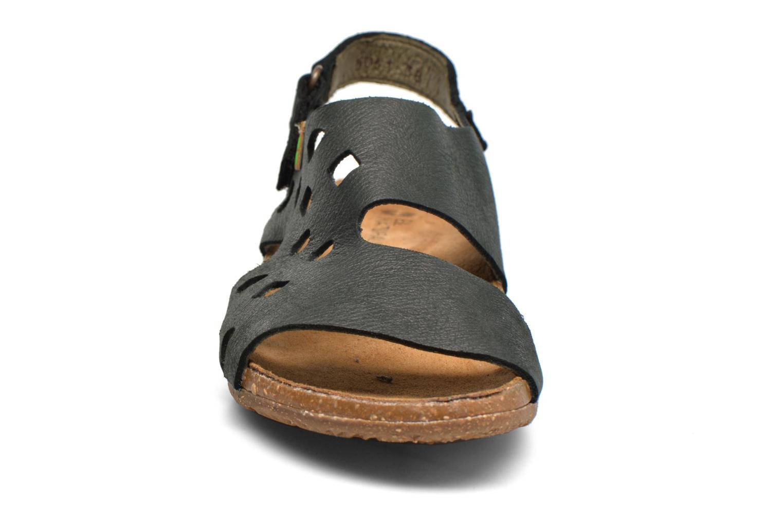 Sandales et nu-pieds El Naturalista Wakataua N5061 Noir vue portées chaussures