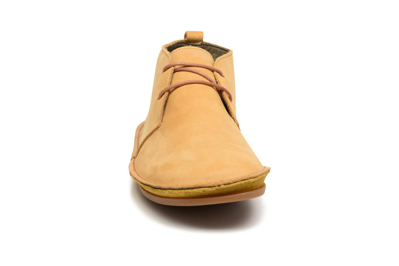 Chaussures à lacets El Naturalista Ibiza NF55 Jaune vue portées chaussures