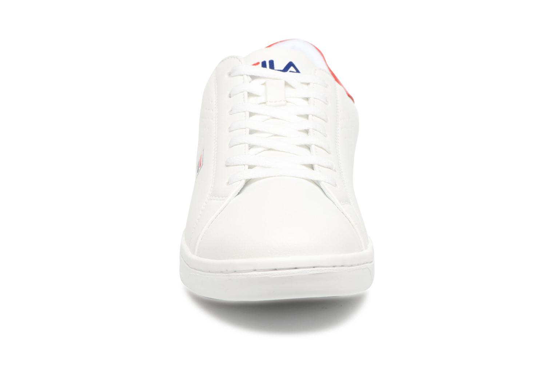 Baskets FILA Crosscourt 2 Low Blanc vue portées chaussures