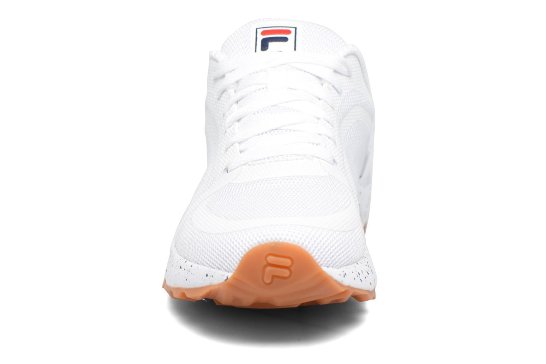 Baskets FILA Mindbender F Blanc vue portées chaussures