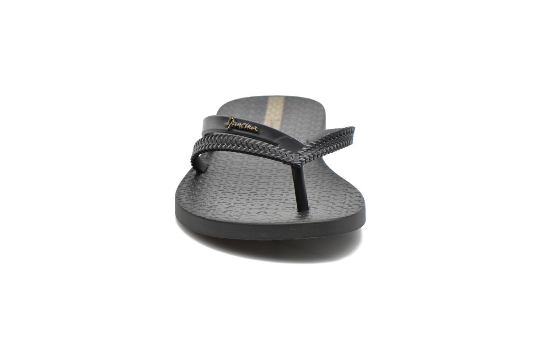 Tongs Ipanema Bossa Noir vue portées chaussures