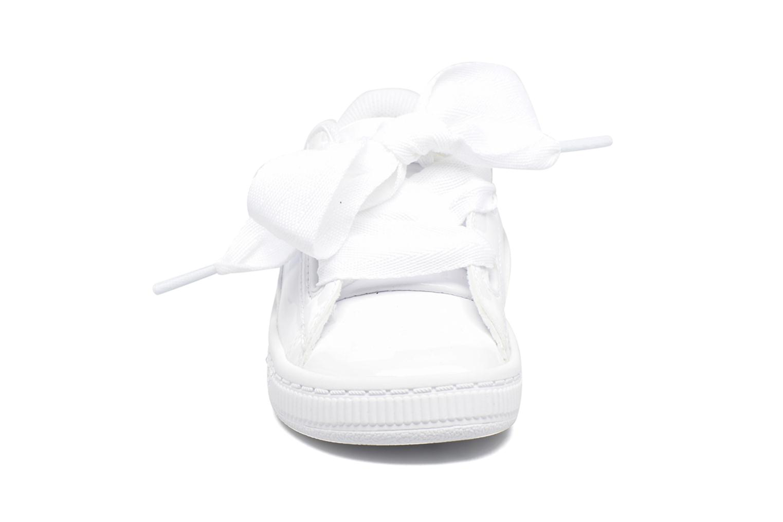 Baskets Puma Basket Heart Patent PS Blanc vue portées chaussures