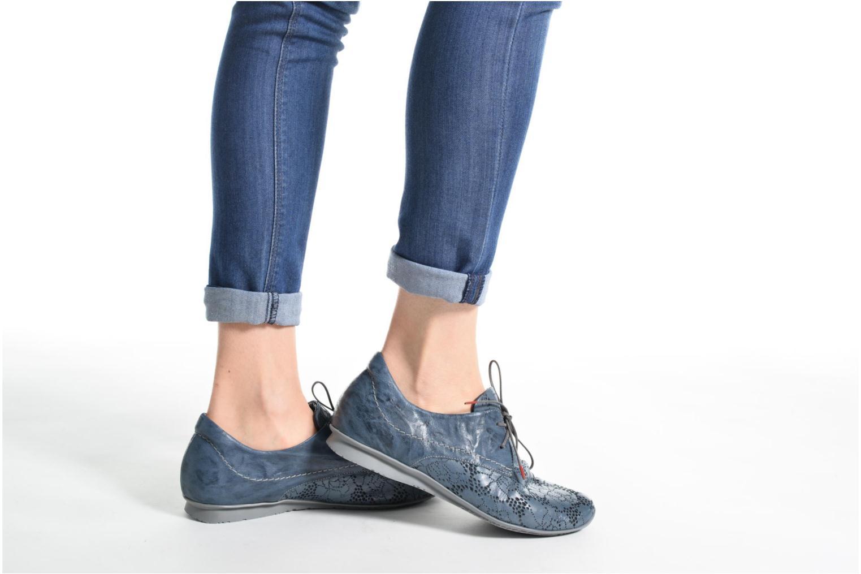 Chaussures à lacets Think! Chili 80102 Noir vue bas / vue portée sac