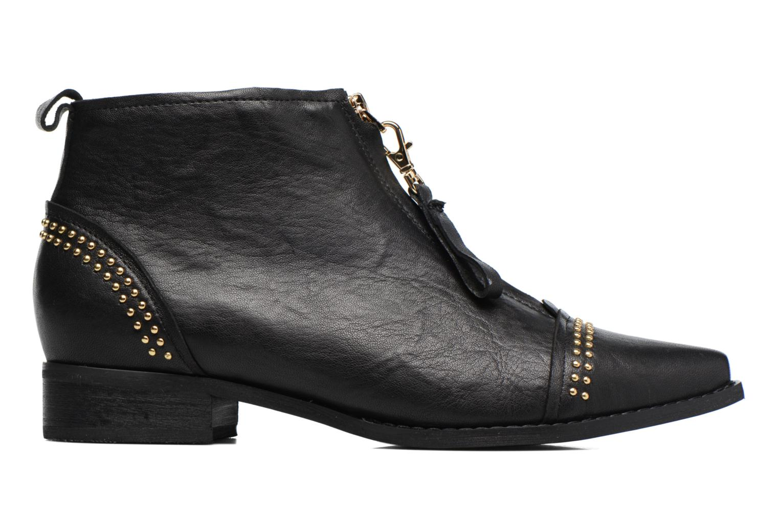 Anna Studs Leather Black 110