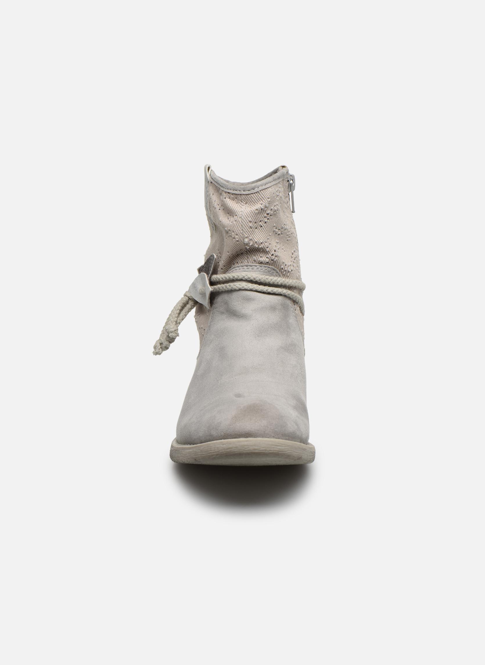 Bottines et boots Jana shoes Karen Gris vue portées chaussures