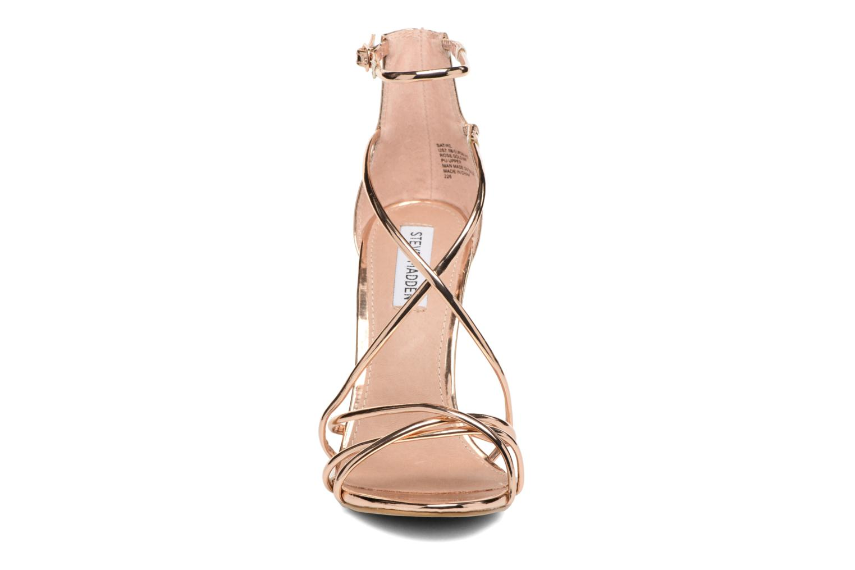 Sandales et nu-pieds Steve Madden Satire Sandal Rose vue portées chaussures