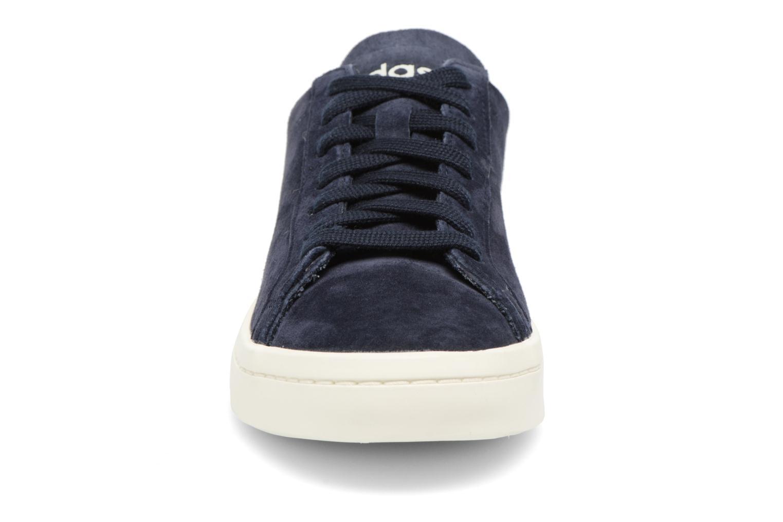 Baskets Adidas Originals Courtvantage W Bleu vue portées chaussures
