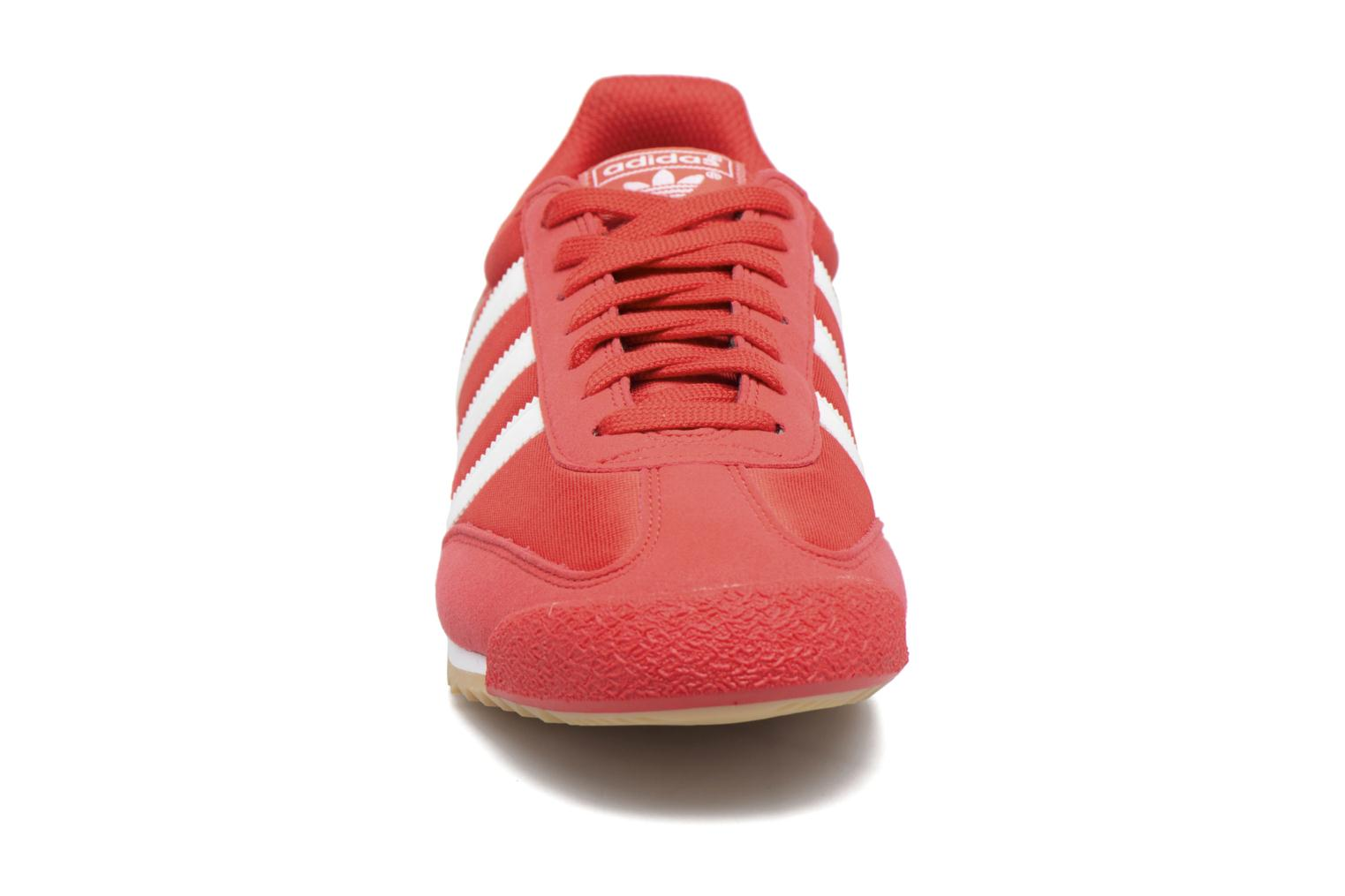 Rouge/Ftwbla/Gomme3 Adidas Originals Dragon Og (Rouge)