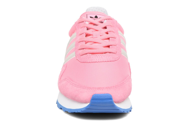 Deportivas Adidas Originals Haven W Rosa vista del modelo