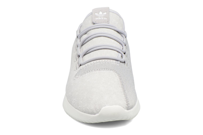 Baskets Adidas Originals Tubular Shadow Gris vue portées chaussures