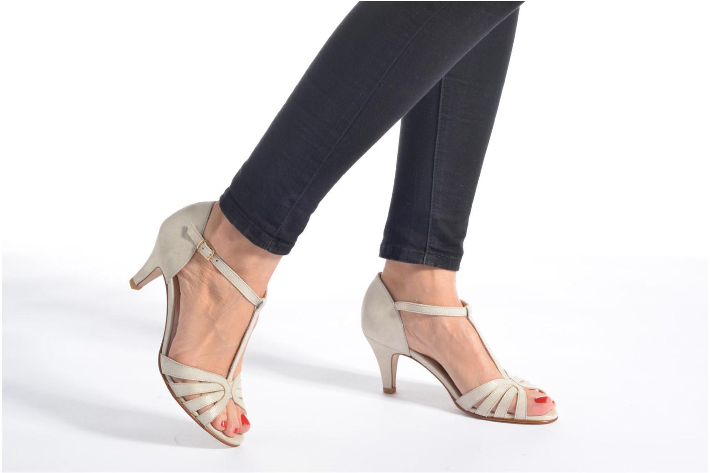 Sandales et nu-pieds Georgia Rose Salapa Blanc vue bas / vue portée sac