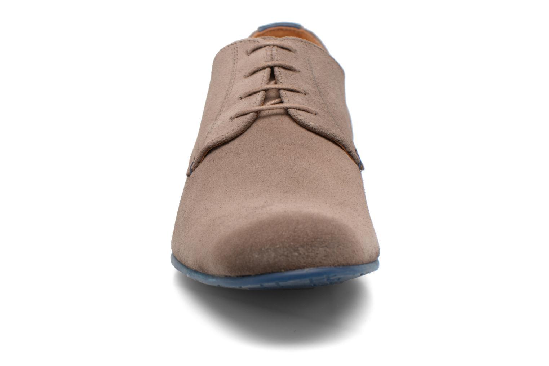 Chaussures à lacets HE Spring Peter Marron vue portées chaussures