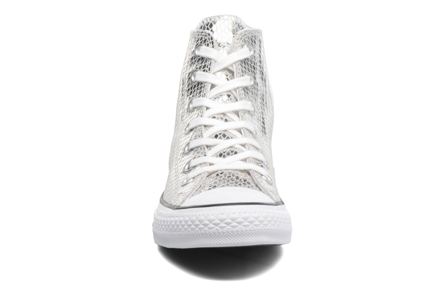Baskets Converse Chuck Taylor All Star Hi Metallic Snake Leather Argent vue portées chaussures